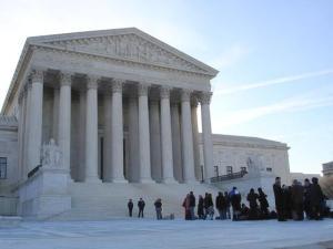 u-s-supreme-court-1-1221080-640x480