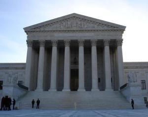 u-s-supreme-court-2-1221074-639x504
